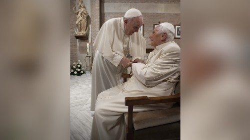 Le Pape François et Benoît XVI vaccinés contre le Covid