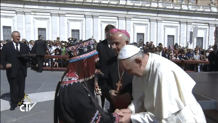 Le pape François institue le « ministère de catéchiste »