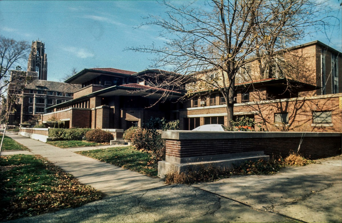 Robie Residence. Ruth and Rick Meghiddo, 1971. All Rights Reserved.
