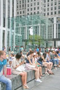 A-People-Apple 360