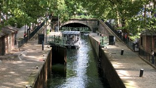 Canal Saint-Martin. Photo © Rick Meghiddo, 2018. All Rights Reserved.