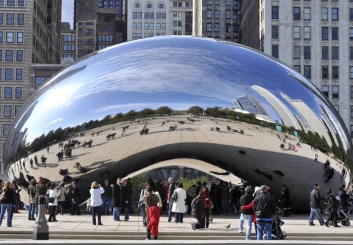"""Cloud Gate"" at the Millenium Park, Chicago"