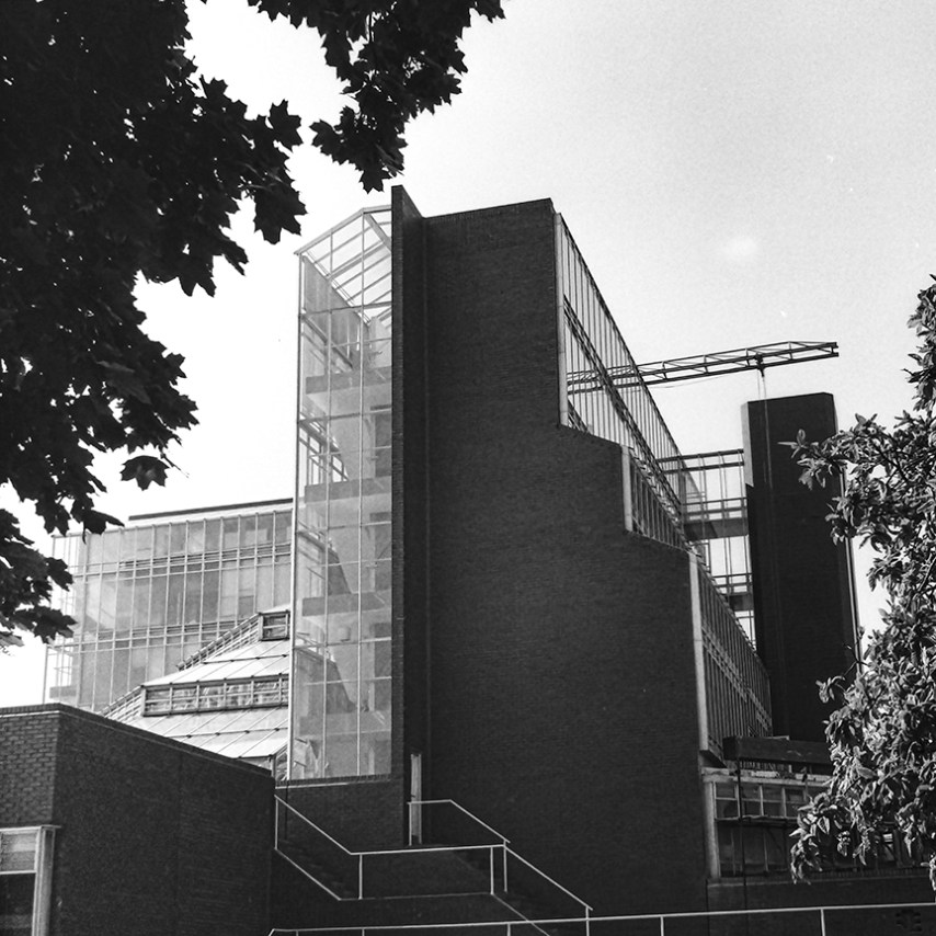 History Faculty, Cambridge, 1968. Architect: James Stirling. Photo: R&R Meghiddo.