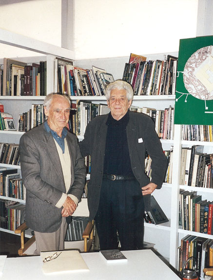 With Paolo Soleri at Pellegrin's studio - Photo: Antonio Fragiacomo