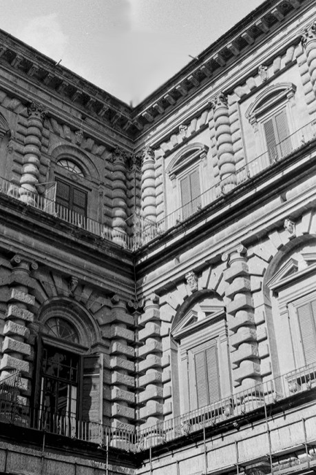 Florence - Palazzo Pitti, 1458 - © R&R Meghiddo 1967 – All Rights Reserved