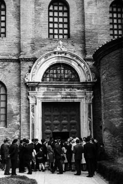 Ravenna - San Vitale, 547 - © R&R Meghiddo 1967 – All Rights Reserved