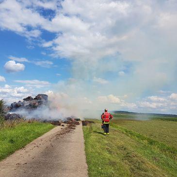 06-08-2017 Stro bult in de brand Onstwedde