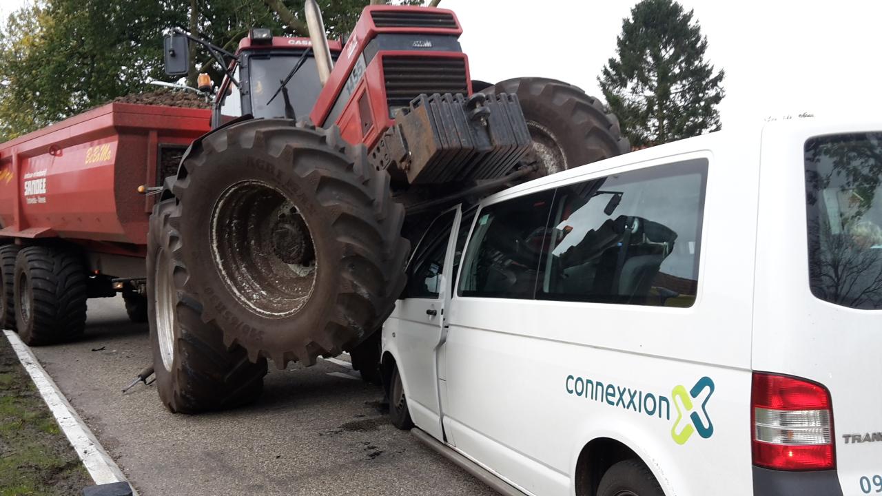 20-10-2017 ongeval auto tractor Bourtange