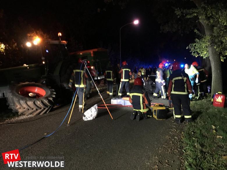 13-10-2017 Ongeval Wedderstraat Vlagtwedde, Tractor tegen auto