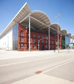 Neue Messe Hamburg - Überdachung by Bernhard Marks