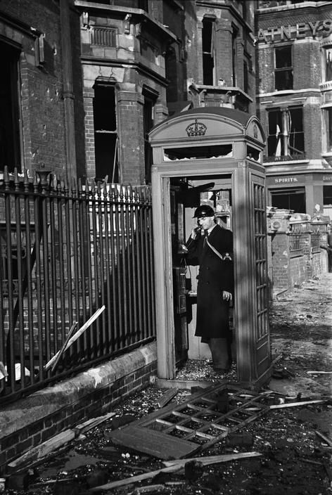 George Rodger - London 1940 BBC