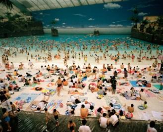 martin-parr-ocean-dome-1996-miyazaki-japan