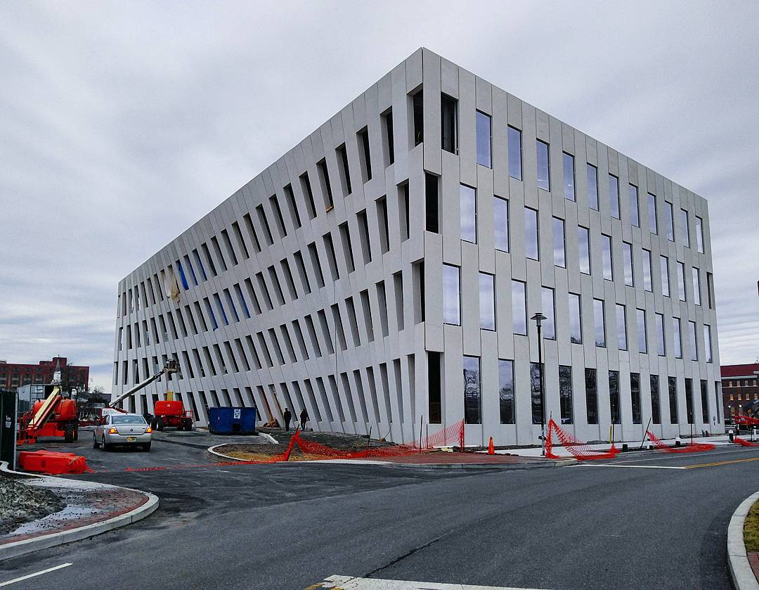 Inga Saffron Calls BIG's New Navy Yard Building