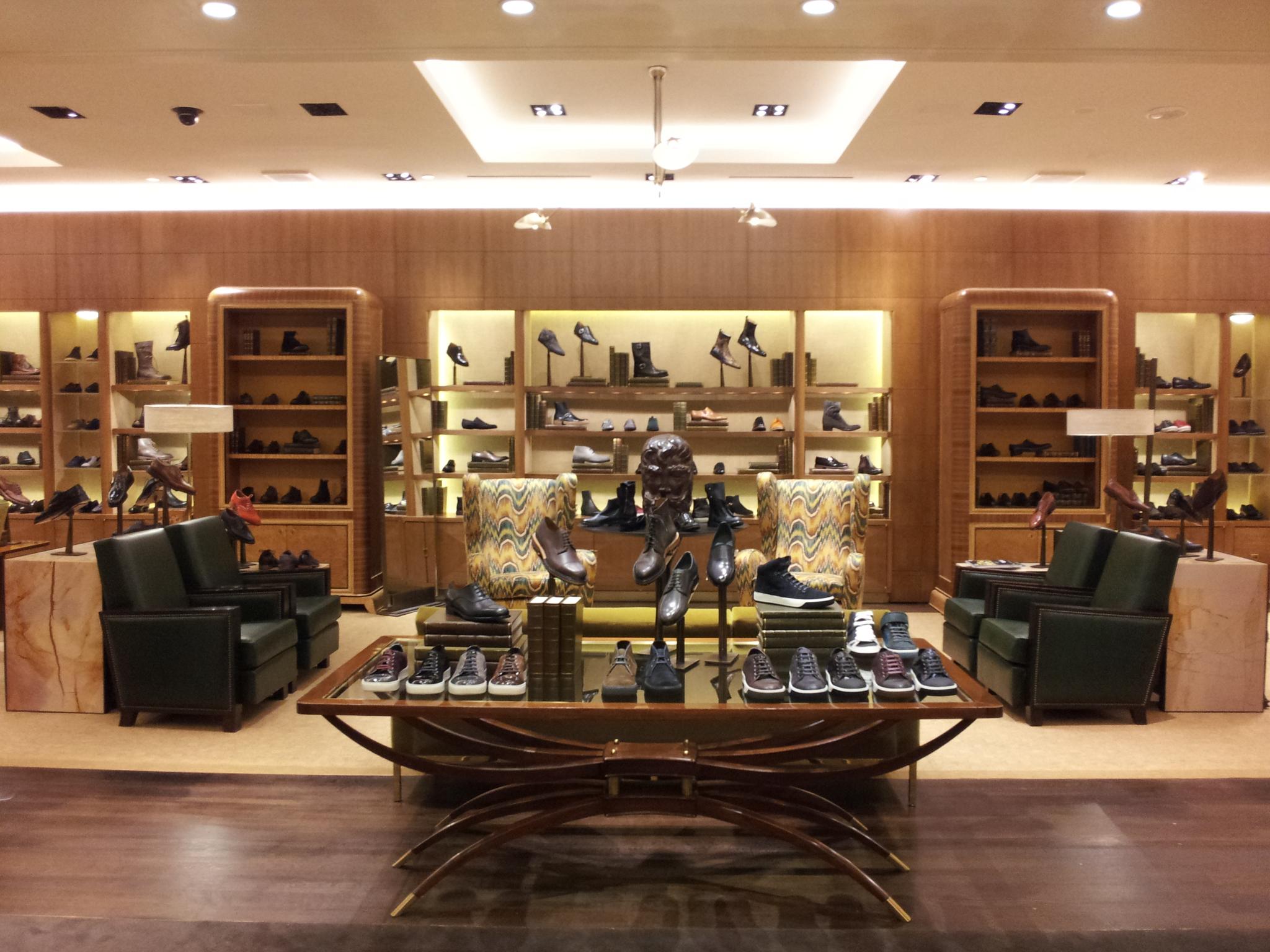 Bergdorf Goodman Mens Shoe Library  Robert Carroll