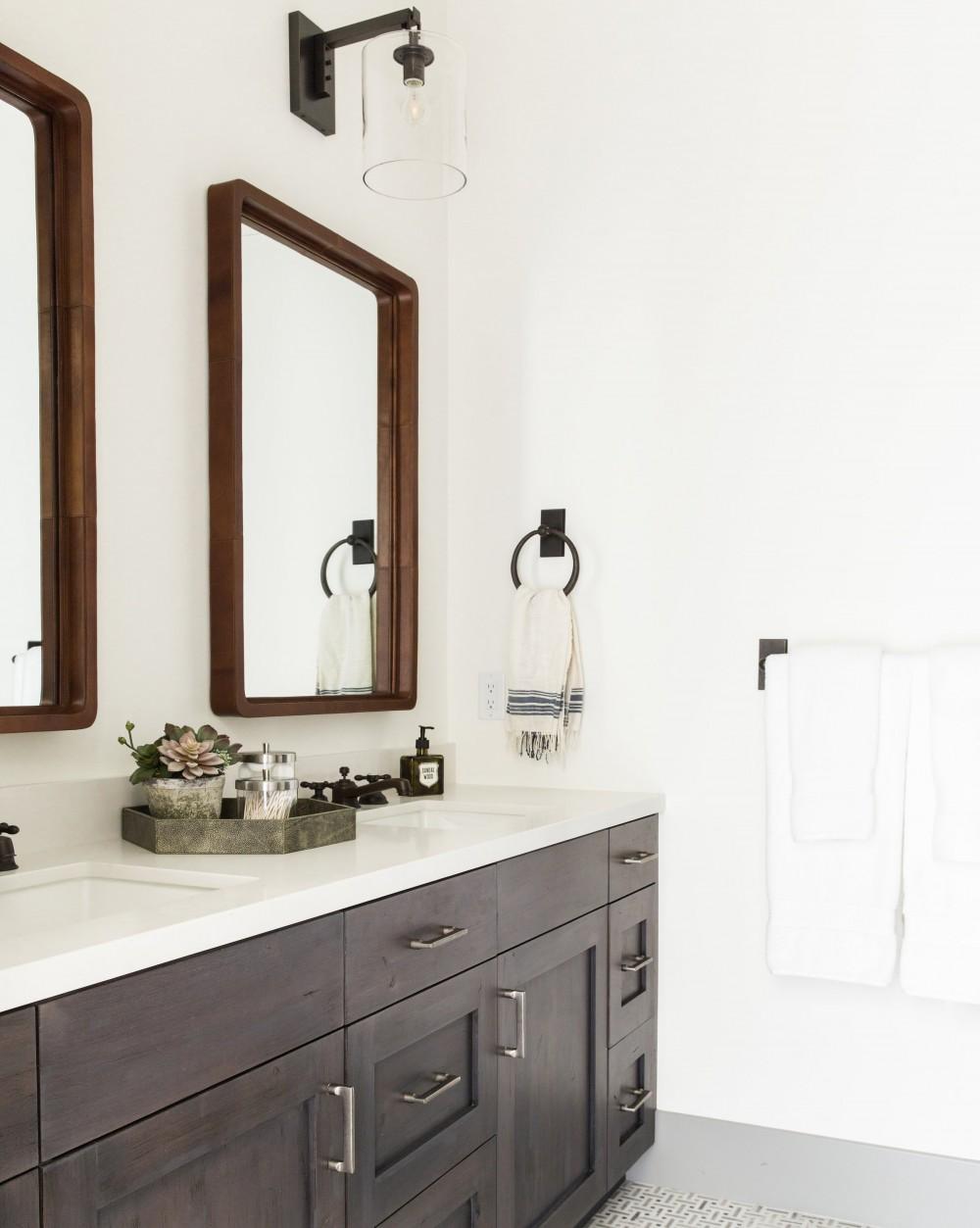 Ultimate Bathroom Decorative Mirrors Guide (2020 Ver.)