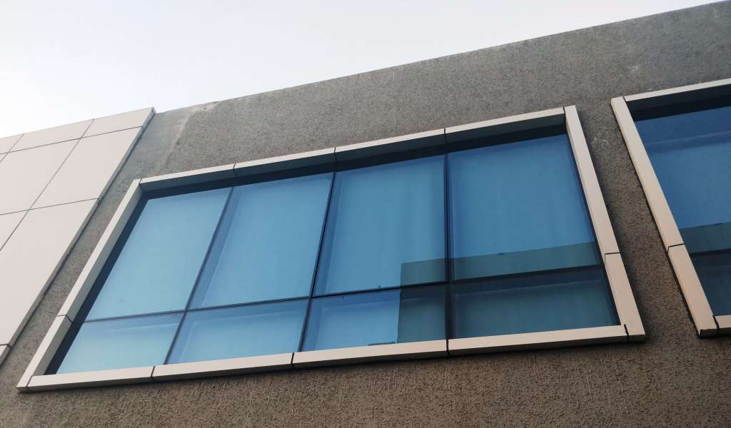 Simplest Way of Installing Glass Facade ! - Archirio