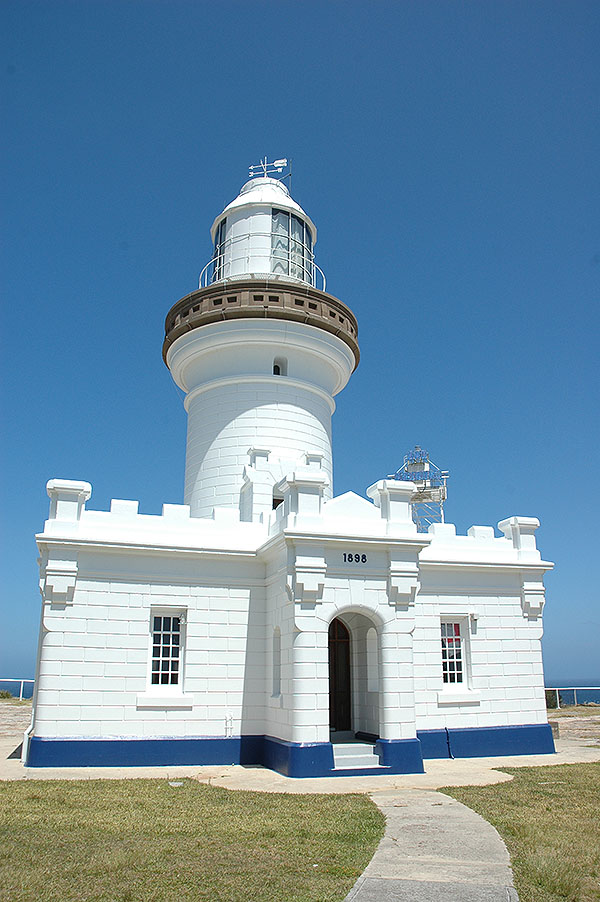 perpendicularpointlighthouse