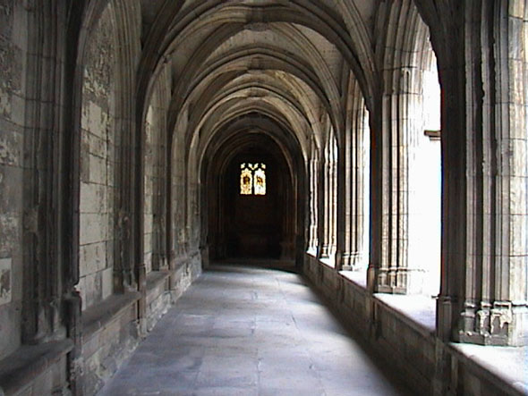 cathedral_cloister_lge