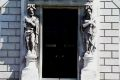 kingsinns_deeds_doorway_lge