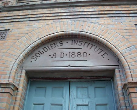 soldiers_institute_doorway_detail_lge