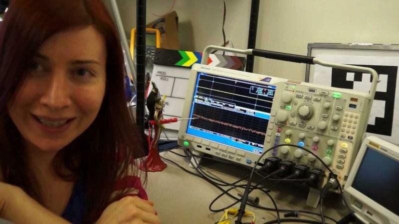 Jeri con su osciloscopio