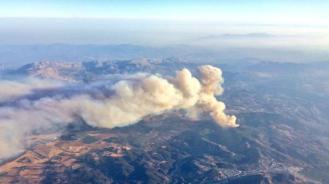Otra perspectiva de ese incendio, uno más de los que ya hemos sufrido.