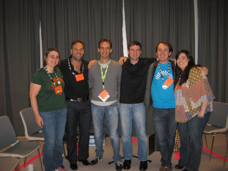 Con la comunidad Ubuntu Community Council, junto con Mark Shuttleworth