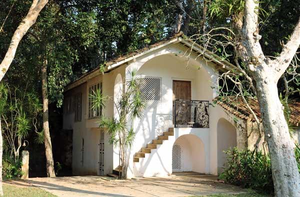 ルヌガンガ 庭園 lunuganga ゲートハウススイート gate house suite ジェフリーバワ geoffrey bawa