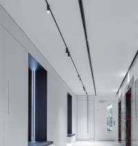 Tracking Magnet - Track Lighting Fixtures | FLOS Architectural