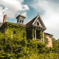 A 156-Year-Old Victorian Mansion Sits Abandoned in Ohio