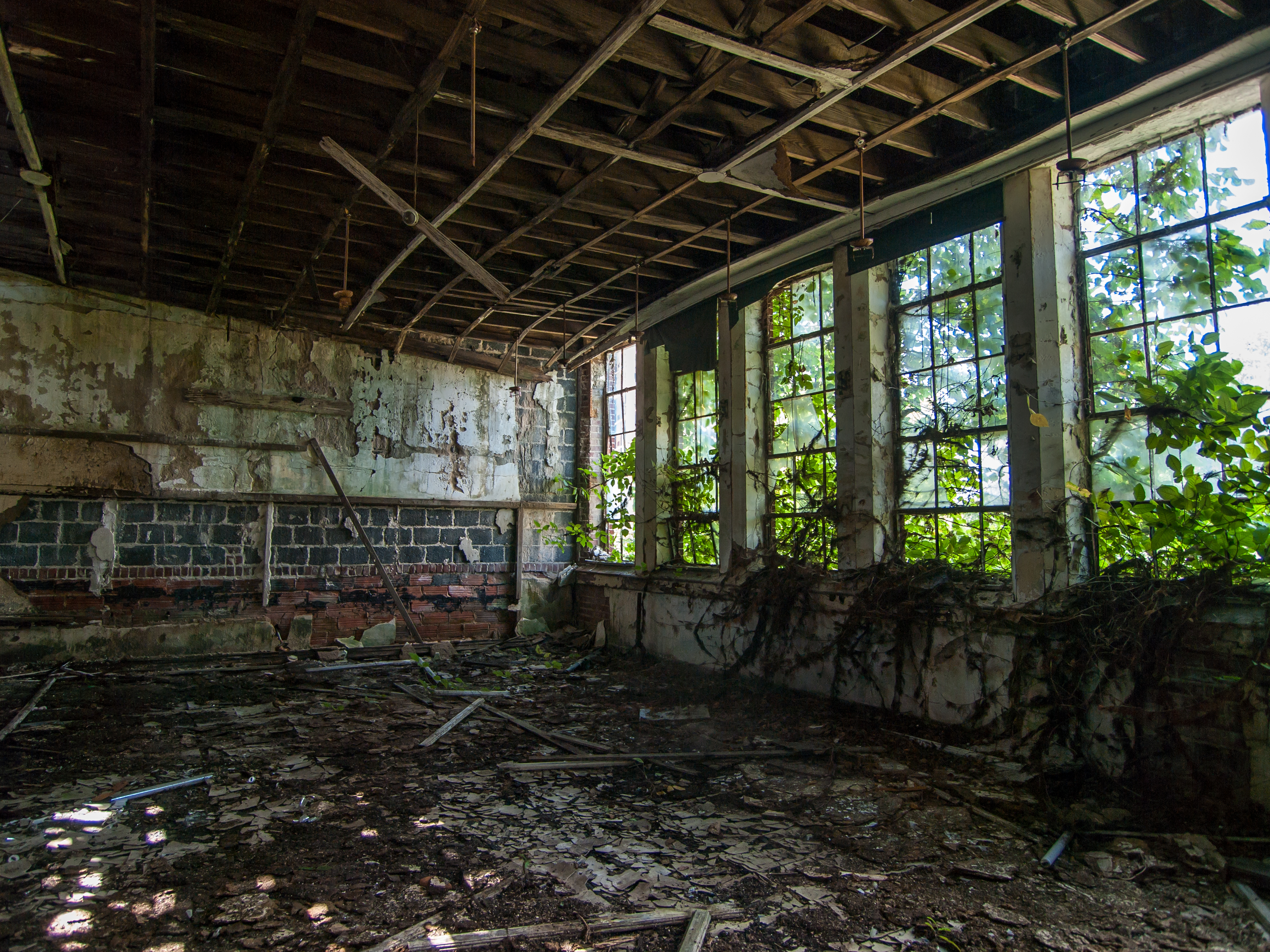 Fall Ceiling Wallpaper Hd The Abandoned East Atlanta High Architectural Afterlife