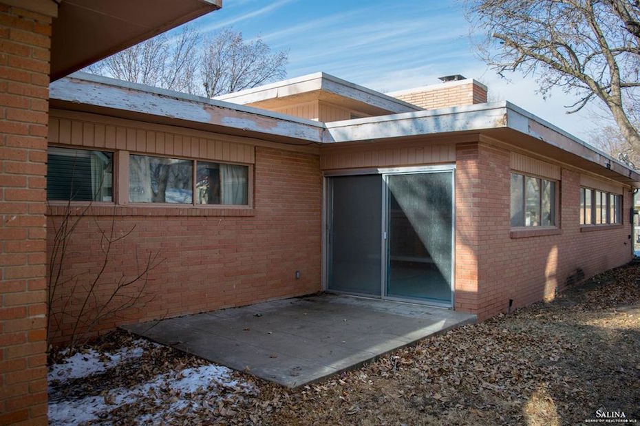 Inside an Unmolested 1956 Contemporary Ranch House