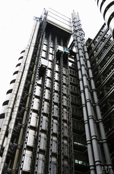 lloyds-building-london-rogers-lift
