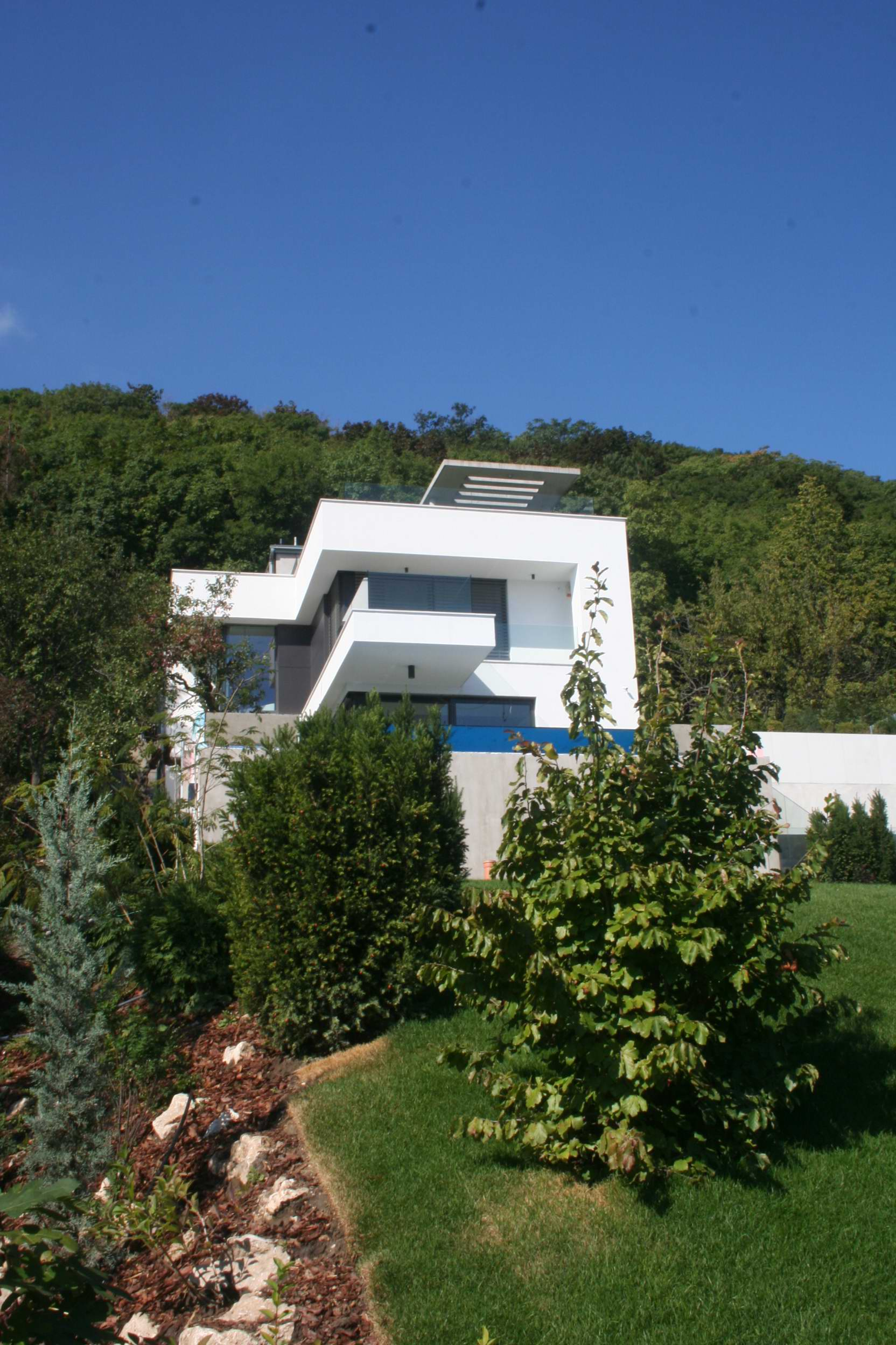 Hillside House Above Budapest By Arx Studio Architecture Beast