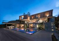Wooden facade: Modern house design by SAOTA