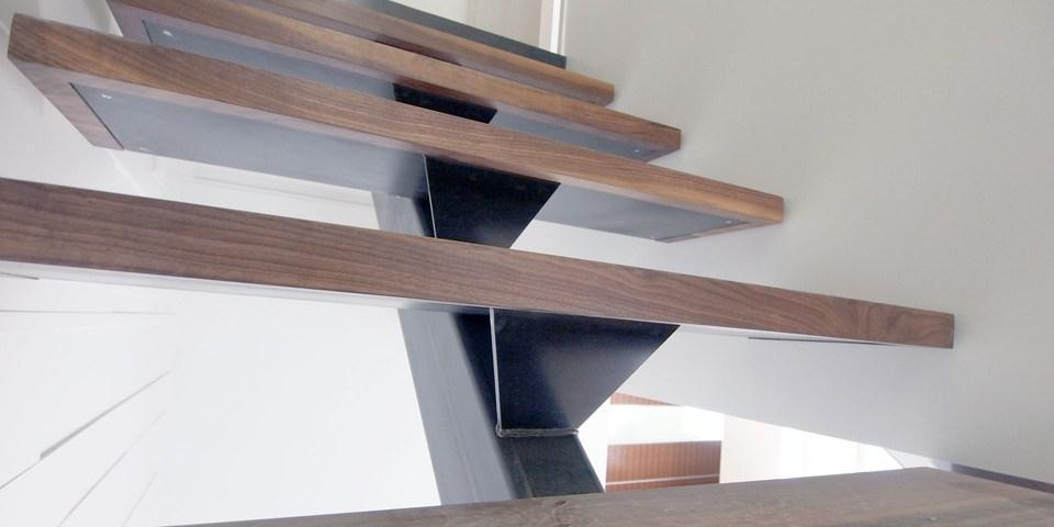 Centre Stringer Stairs An Architect Explains Architecture Ideas | Wood Mono Stringer Stairs | Central | Arch | Hardwood | Glass | Timber