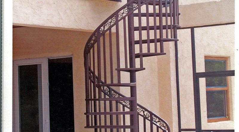Spiral Staircase Vi Chaves | Wooden Spiral Staircase For Sale | Solid Wood | 36 Inch Diameter | Unique | Curved | Closed Riser