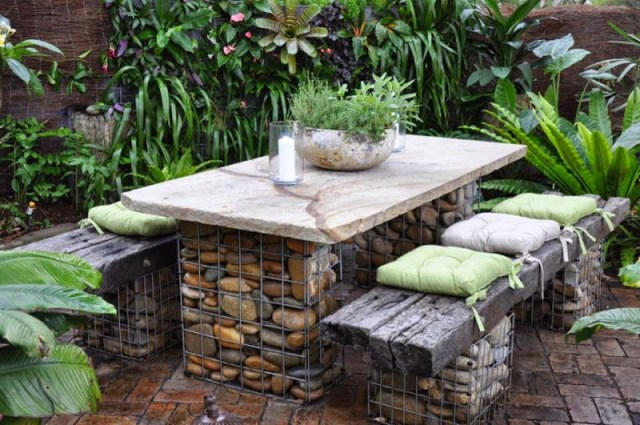 Garden With Table and Chairs for Unique Terrace