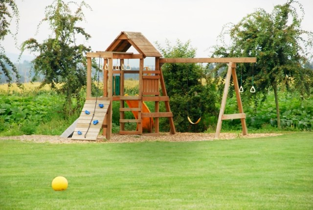 Modern Ethnic House - Playground