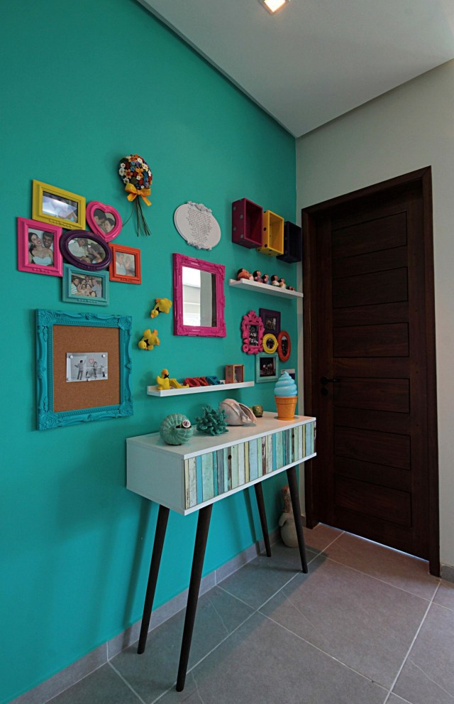 Colorful And Minimalist House Corridor Design Tips