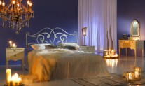 Laying Room Accessories for Romantic Bedroom Decorating Ideas
