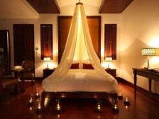 Bedroom Light for Romantic Bedroom Decorating Ideas