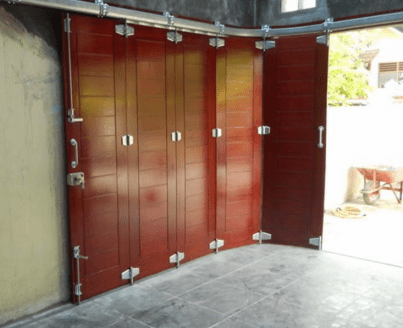 Selection Of Door Model for Garage Design Tips for Minimalist Houses