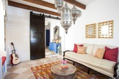 Arrange Vertically for Inspiration Wall Gallery for Exciting Living Room
