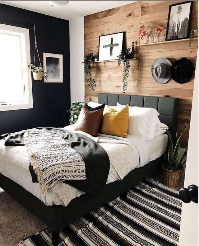 Black And Wood Contras Bedroom