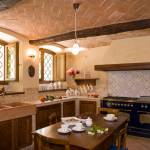 Grandma's Kitchen Atmosphere for Rustic-style Luxury House Design