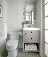 Minimalist Small Bathroom Design