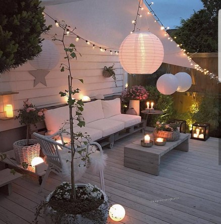 Nice Ideas For Changing Terrace Into Closed Living Room (9)