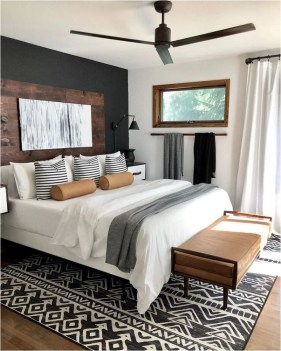 Rustic Bedroom With Etnic Carpet