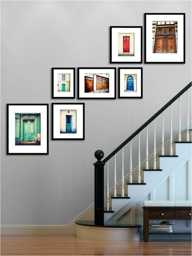 Simple Wall Gallery In Stair